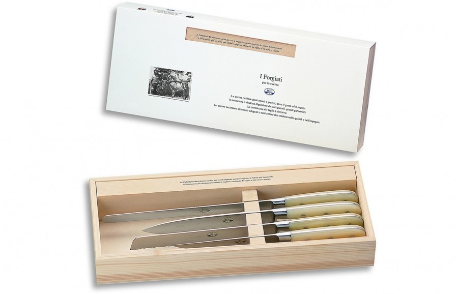 N. 930 Corredo Di Quattro Coltelli Cucina - 1